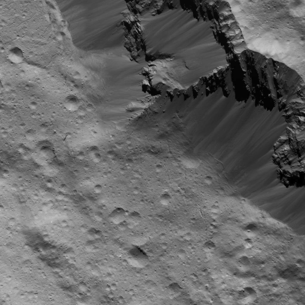 Deslizamientos de tierra a lo largo de la pared del cráter Occator