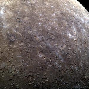 hemisferio sur de Mercurio lleno de cráteres