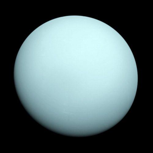 Urano visto por la Voyager 2 de la NASA
